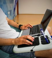 Laptop notebook asztal hűtőpaddal