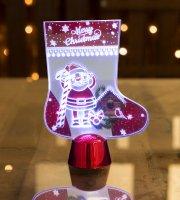 Karácsonyi asztali LED dekor - fényes talppal - csizma - 15 cm