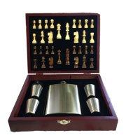 Rozsdamentes flaska szett, sakk készlettel, fa díszdobozban
